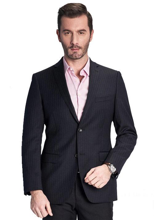 如何穿着出一身合身的定制西服