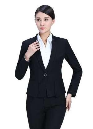 识别西服职业装是否正规的方法
