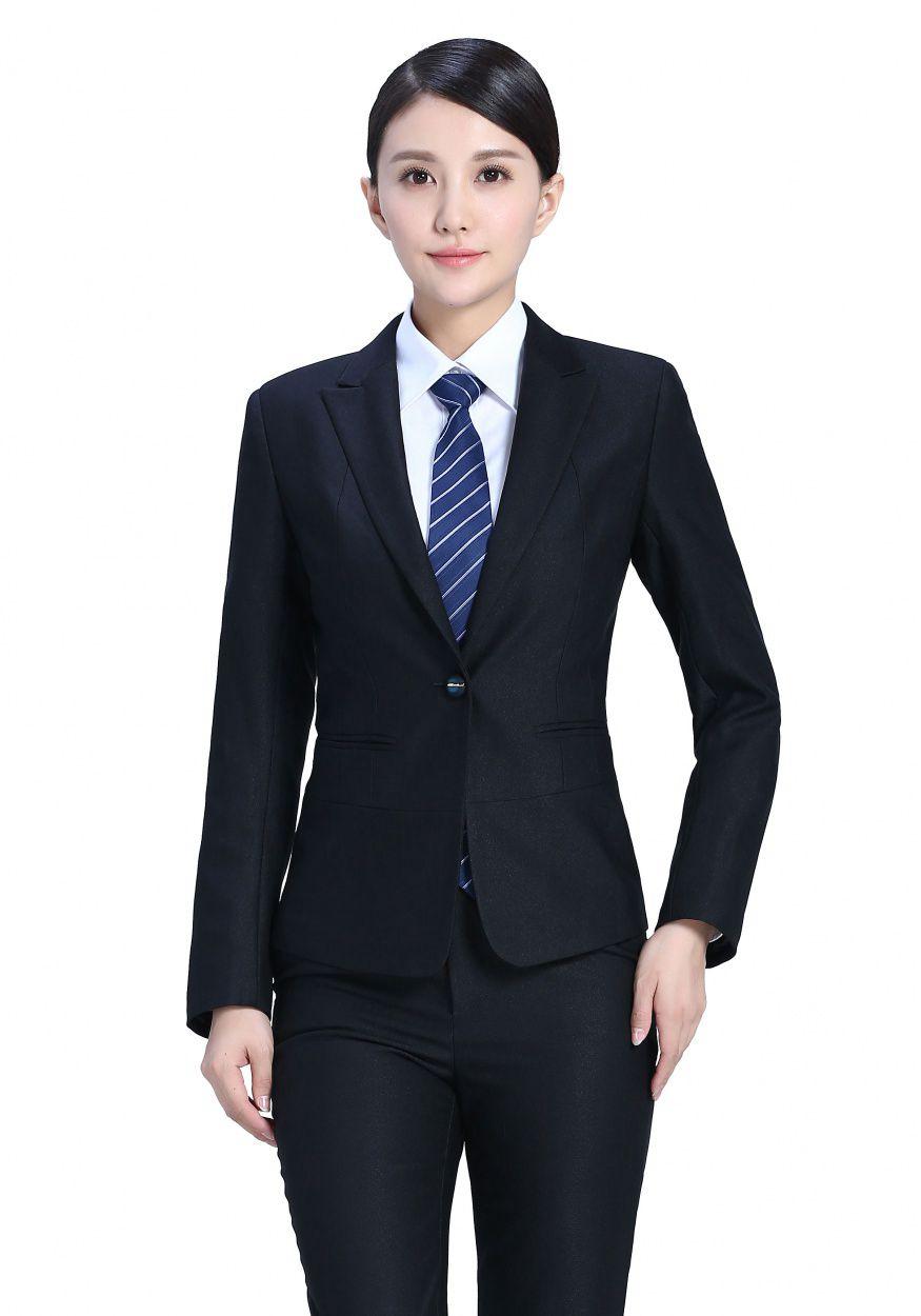 女士职业装订做要考虑的方面?传统与时尚职业装的区别是什么?